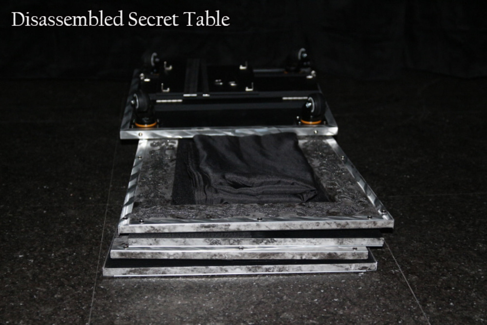 Secret Table (예약상품)